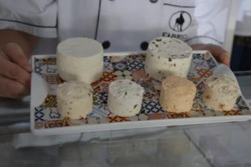 Visita guiada numa fábrica tradicional de queijo