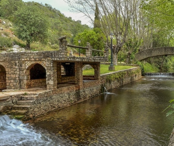Visita guiada nas aldeias históricas de um povo antigo.