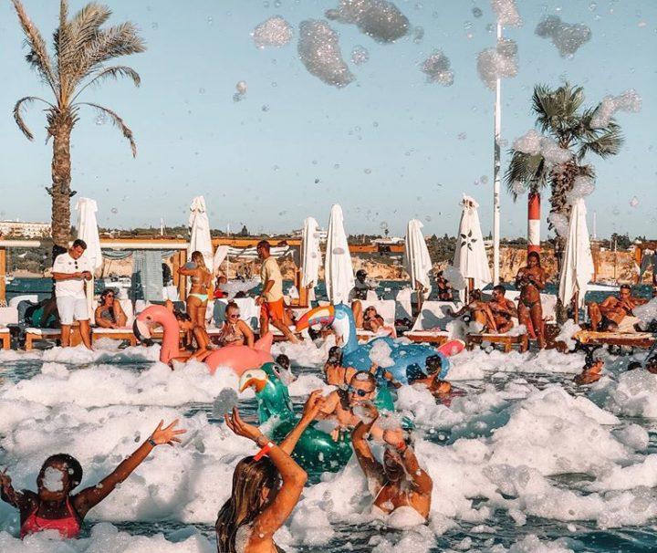 Experiência dia e noite no teu beach club favorito